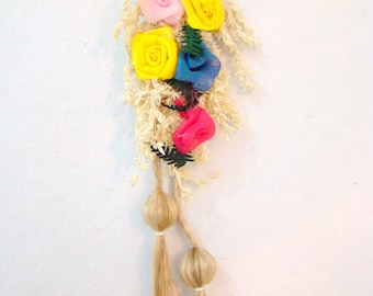 Home Decor Indian Handicraft Dry Reed and Organza Flowers (2 Color Choices) Door Hanging Wall Hanging Style of Jharkhand in East India