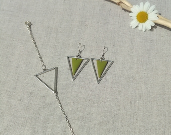 Set earrings and bracelet triangle olive green and silver