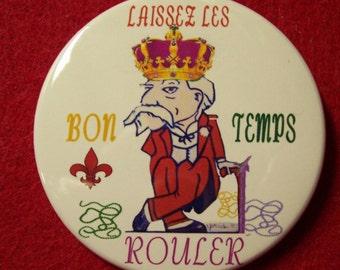 Ole Miss Col Reb Mardi Gras King pin or magnet 2 1/4 in metal