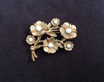 Vintage Brushed Gold Metal Flower Bouquet with White Beads Brooch 1352