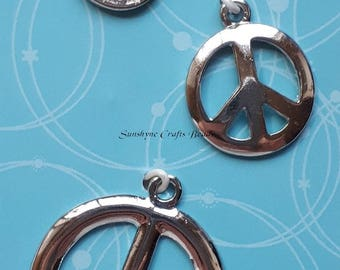 """Glass rhinestone and silver-finished """"pewter"""" (zinc-based alloy), dark grey, 13mm, 16mm, 25mm peace sign with dimpled back, 3 pieces per pkg"""