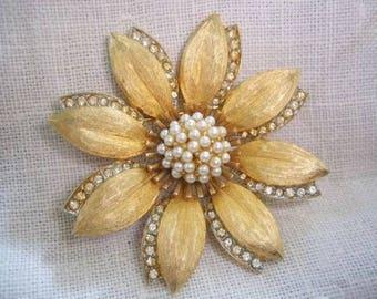 Vintage Mandle Rhinestone Sead Pearl Brooch