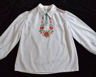 Vintage Hungarian Matyo Floral Embroidered Wearable Women Blouse Size EU 42-44 / UK 14-16