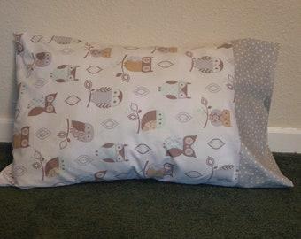 OWLS in GRAY & BROWN  pillow case w/polka dot border