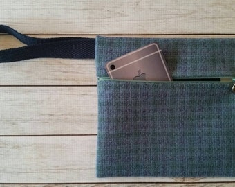 Wool wristlet,Blue wool,Phone wristlet,Autumn wristlet
