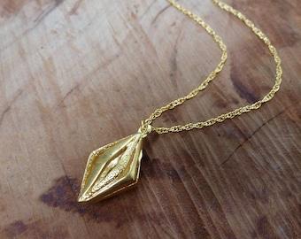 Three Dimensional Textured Losange Necklace