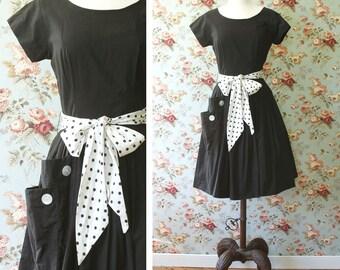 vintage 1950s dress <> 1950s black cotton dress <> black and white polka dot <> 50s cotton day dress