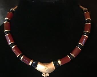 Gold plated carnelian and onyx necklace by Anita  Kutella