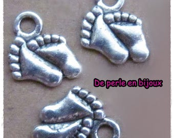 5 pcs-12 mm X 9 mm silver-plated birth baby foot charm invitation