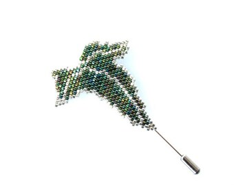 Leaf brooch, Leaf pin, Green Brooch, green pin, Lord of the Rings pin, Elven Brooch, Miyuki Brooch, lotr jewelry, lotr brooch, seed beads
