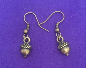 Acorn earrings / acorn jewellery / acorn charm