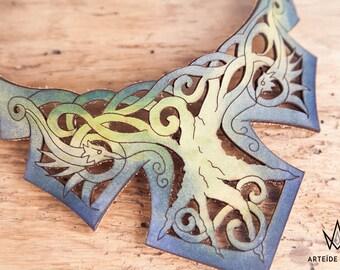Collier Phoenix plastron cuir