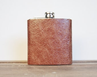 Personalized Leather Flask - Tan Hip flask, full leather piece, Hand Engraved, Best Man, cowboy leather
