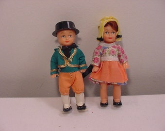 Vintage Ireland Dolls In Acrylic Showcase   15 - 102
