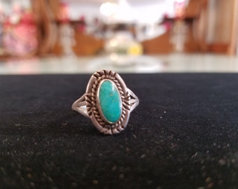 Vintage Native Turquoise Silver Ring Size 9