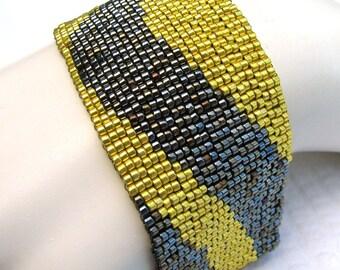 Steel with a Twist Color Ribbon Peyote Cuff Bracelet (2253) - A Sand Fibers Creation