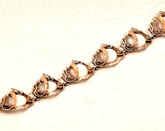 Pearls Gemstones Bracelet Mix With 9K Gold & 925 Sterling Silver.