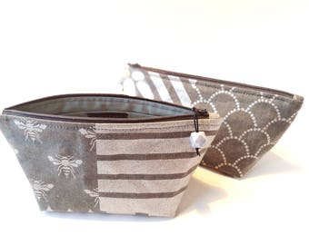 "Toiletry Bag // ""Sølv Taske"" // Cosmetic Bag // Make Up Bag // Zipper Pouch // Gift For Her // Metallic Print // Handmade //Charger Storage"