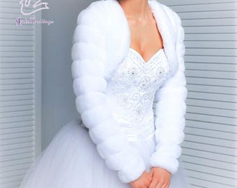 Faux fur jacket for a wedding dress with long sleeves