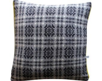 40cm Lambswool Knitted Tapestry cushion