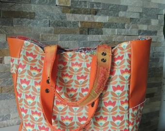 retro style tote bag