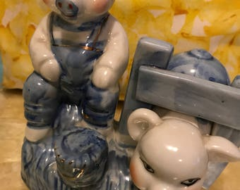 Vintage pigs figurine blue/white /gold porcelain