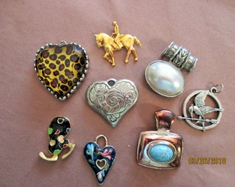 """A lot of 9 pendants in need of chains--1""""--2"""" enamel--hearts--floral--horse back rider--stork--faux pearl"""