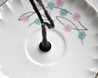 Truly: Fun Colorful Serving Stand Rainbow Flowers Tulips