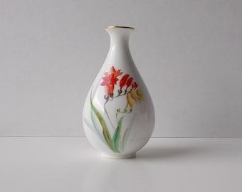 Noritake Bud Vase - 1940's - Artist signed
