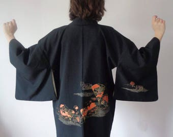 Vtg EMBROIDERED & PAINTED Black Cropped KIMONO!