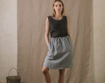 Linen high-waisted skirt in dusty blue with side pockets