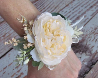 Woodland Boho Wrist Corsage with Ivory Rose and Berries
