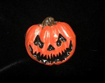 Pumpkin pin (orange)