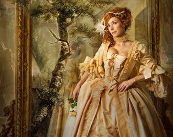 Rococo dress to Madame Pompadour