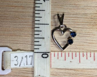 Vintage 925 Sterling Silver .4g Open Heart Blue Cz Pendant Used