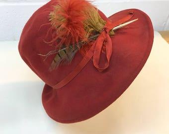 Vintage Women's hat - cloche - orange hat - wool hat - feathered hat