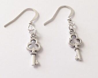 Silver Key Earrings/Dainty Silver Key Earrings/Skeleton Key Earrings/Silver Skeleton Key Earrings