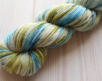 Skein hand - dyed Fingering - superwash Merino - 50 g / 200 m - UniK Beige/green/blue