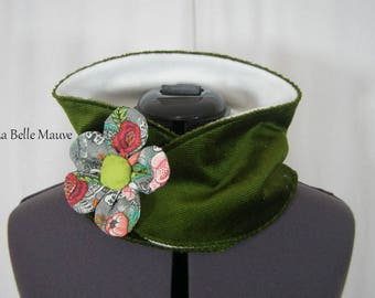 Snood with embossed flower