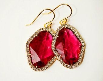 Fuchsia Rhombus Earrings Glass Earrings Crystal Drop Earrings Dangle Earrings Bridal Earrings Gold Earrings Red purple Glass Deep pink Gift