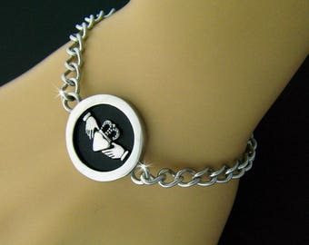 Claddagh Charm Bracelet, Claddagh Disk Bracelet, Claddagh Charm Bracelet, Celtic Charm Bracelet, Celtic Link Bracelet (S126)