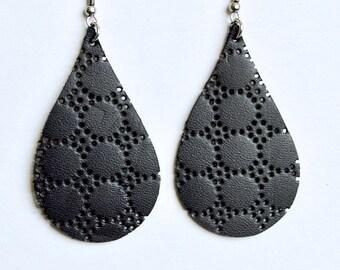 SUMMER VACATION FLASH Black Polka Dot Leather Earrings  // Black Teardrop Earrings // Leafy Treetop Leather