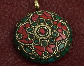 Mosaic pendant 45mm set in a brass setting, red/green sold by each 15317RD