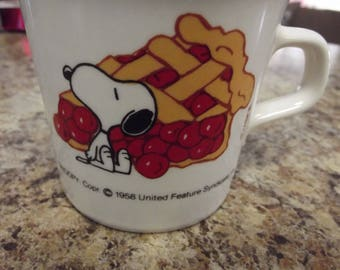 Vintage Mug - SNOOPY and a Cherry Pie Slice - 1958 - Taylor International USA