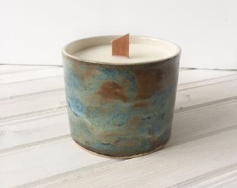 Mother's day gift idea. Vegan soy Candle with wooden wick - Ceramic Pot Candle, a present idea for lovely Mum - Mom
