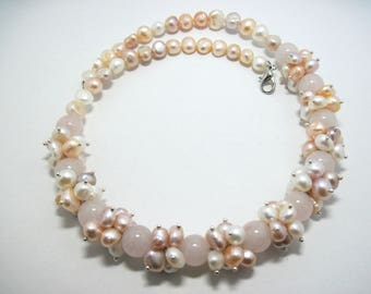 Freshwater pearl necklace Rose quartz necklace Gemstone necklace jewelry Mothers day gift ideas Beauty mom's gift Gift coworker jewelry