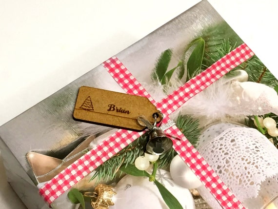 Christmas Gift Tags Personalised wood tags Christmas Gift Wrap Rustic place cards Custom name tags Engraved Laser cut names Wooden shapes