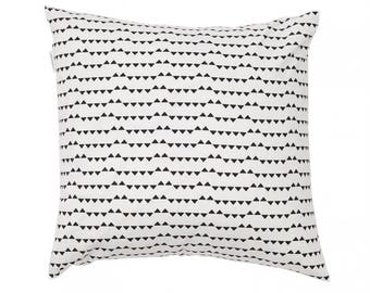 Small triangle cushion cover