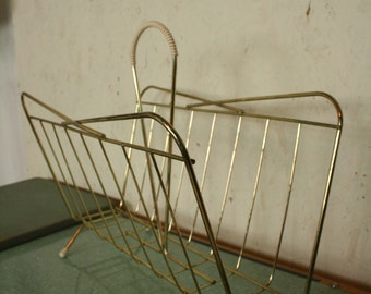 50 s wire framed paper rack