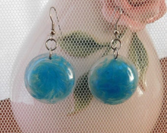 blue swirl circle earring